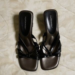 👡Comfy slip-on sandals w/ arch support.